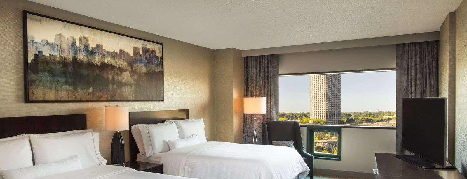 Traditional Double Bed Guest Room | The Westin Southfield Detroit
